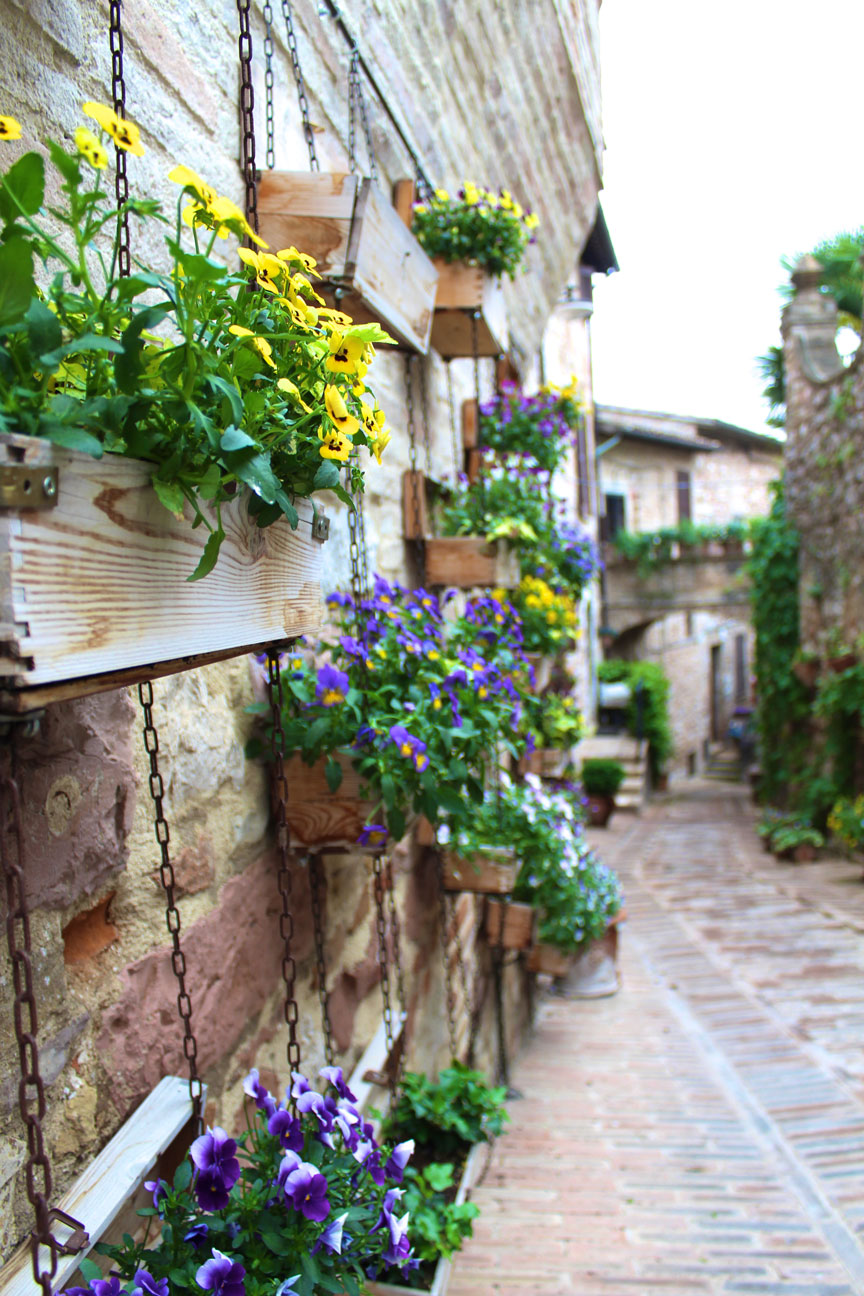 Spello-things-to-do-Alleyway