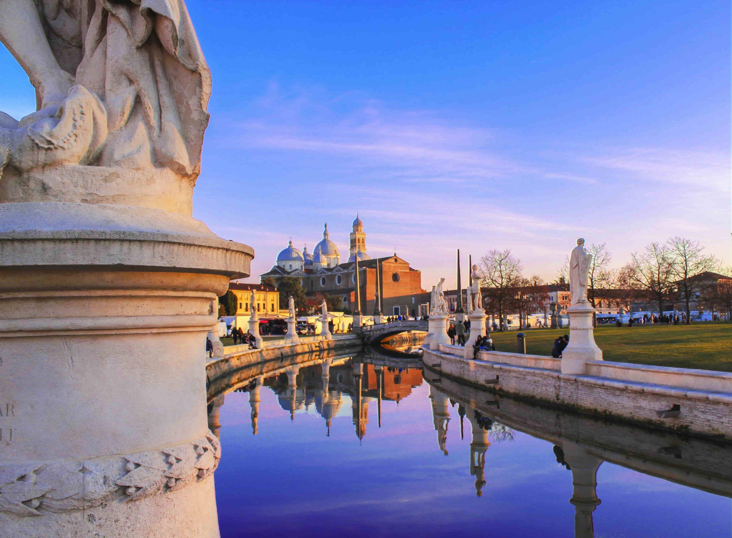 Things-to-do-in-Padua-Prato-della-Valle
